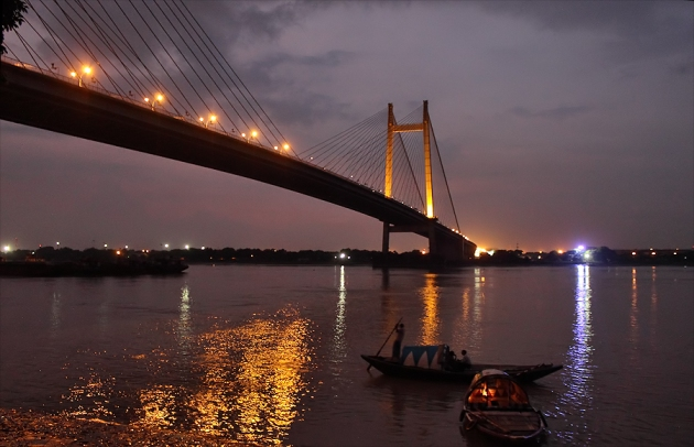 The second hooghly bridge has its own glamour.  Image courtsey  : espncricinfo